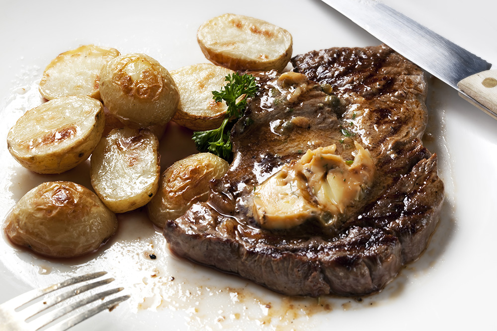 Empty the fridge - Steak met ansjovisboter