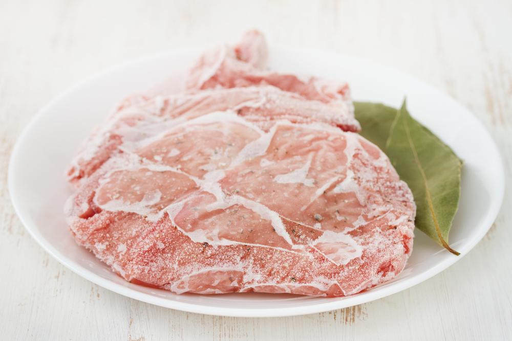 3 veilige manieren om vlees te ontdooien