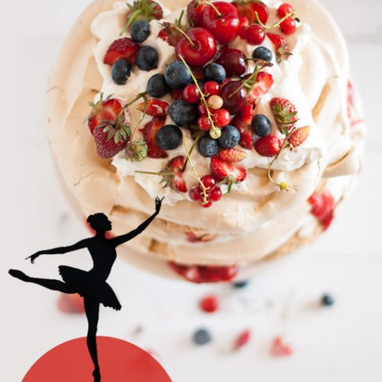 Empty the Fridge -Celebrity leftovers - Pavlova