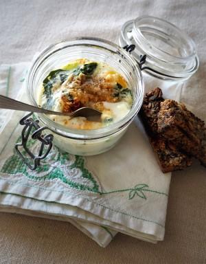 Empty the Fridge - Ouef cocotte met groene asperges