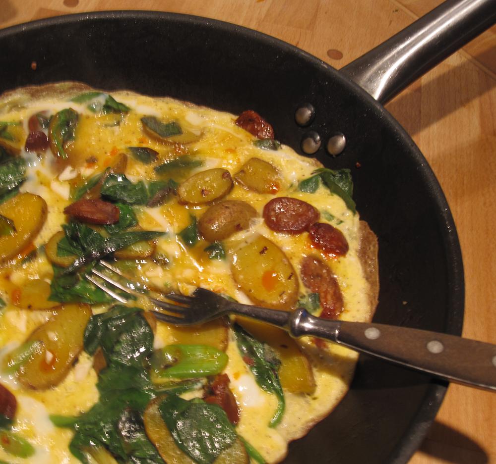 Empty the Fridge - Aardappelomelet met chorizo en spinazie