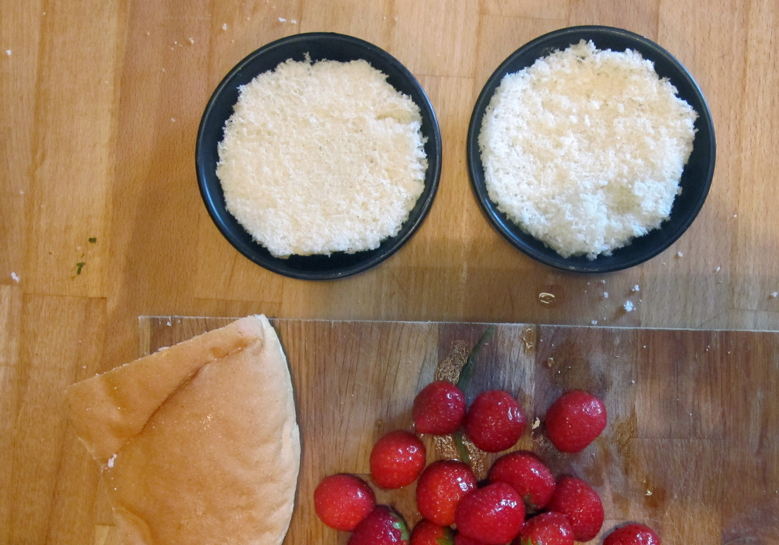 Empty the Fridge - Broodpudding met yoghurt en aardbeien