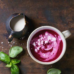 Empty the Fridge - Koude rode biet soep met yoghurt