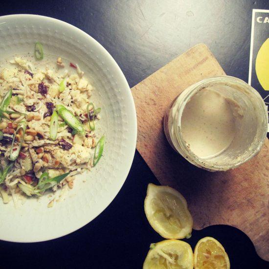 Empty the fridge - Knolselderremoulade met appel veenbessen en tahini
