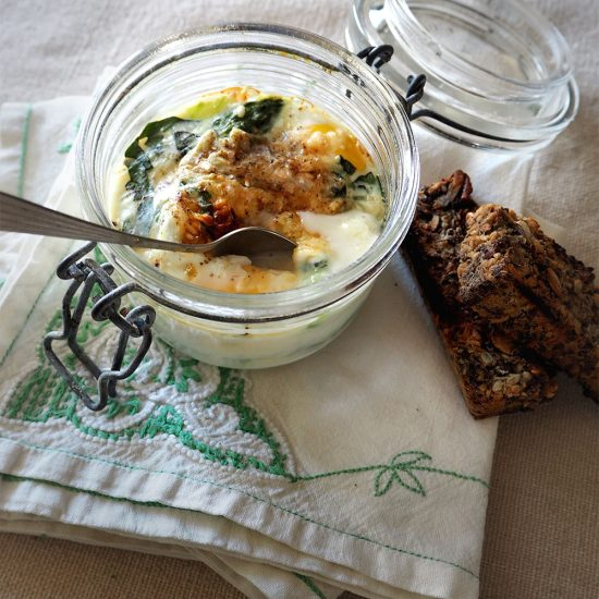 Empty the Fridge - Ouef cocotte met groene asperges